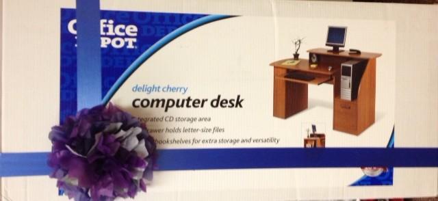 Desk door prize
